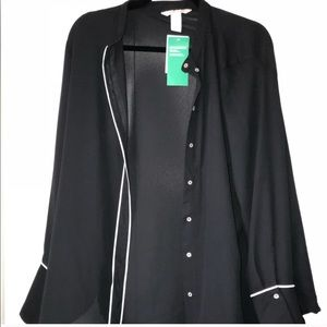 NWT H&M piping detail button down blouse